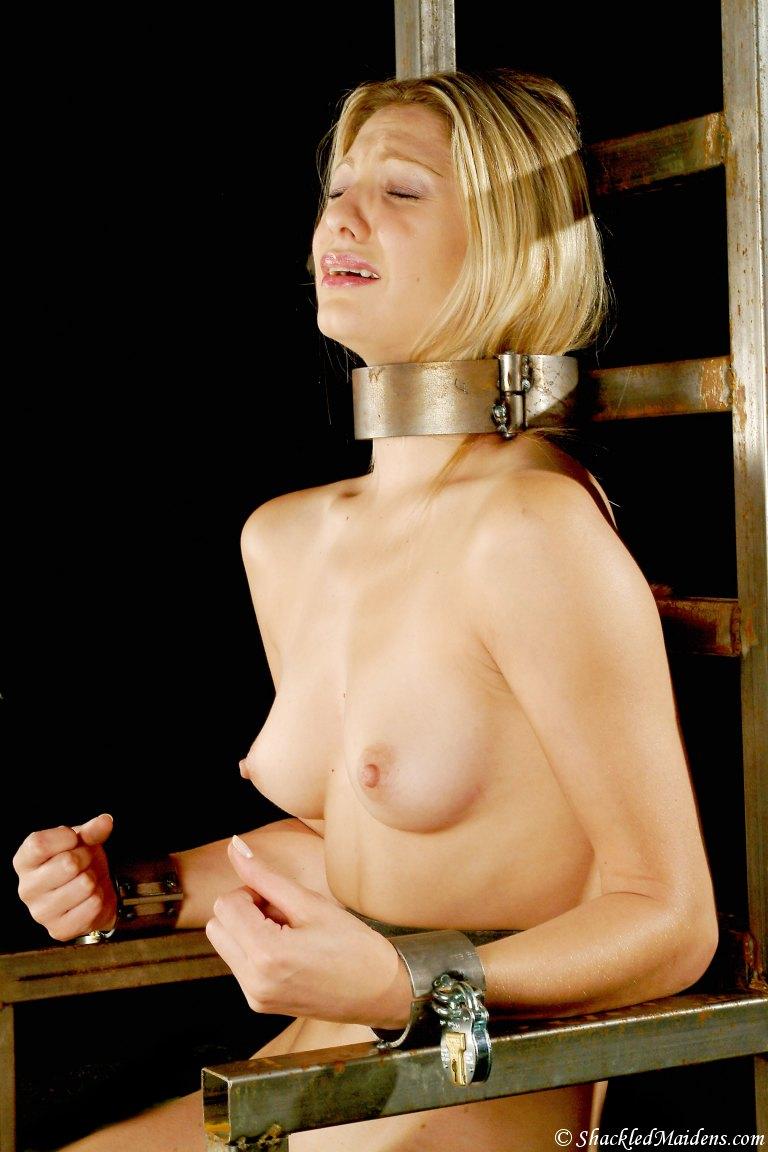 Margot robbie wolf of wall street nudity